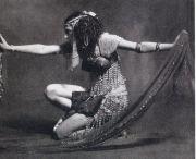 Ida Rubinstein dans Cléopâtre.jpg