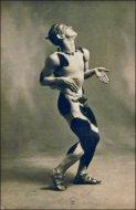 Nijinsky_dans_lAprès-midi_dun_faune_(Ballets_russes,_Opéra)_(4561717830).jpg